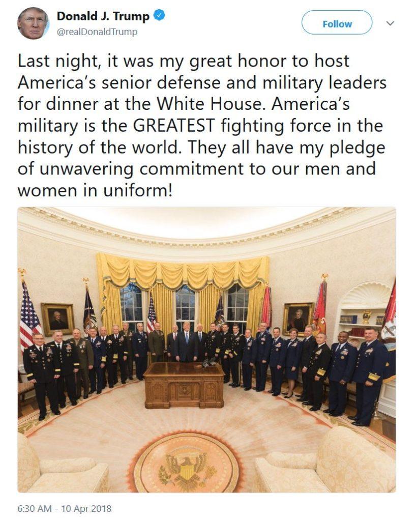 QAnon - военная разведка США, которая наняла Трампа в качестве президента, чтобы предотвратить Государственный переворот Trump-Tweet-and-US-Military-818x1024